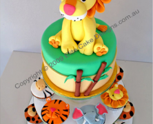 Jungle/Zoo Animal Cake & Cupcakes